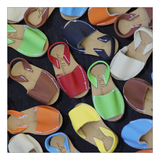 Leinwandbild COLOURFUL SANDALS - Abmessung 100 x 75 cm,