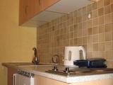 Unterschlupf für Wochenendpendler, 1 Zimmer Wohnung (1ZW), 16qm., Kochnische (EBK), WC/Dusche Mieten in Götzenmühlweg 64, 61350 Bad Homburg v.d.H. 69899