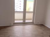 Sonnige preiswerte 3-R-Wohnung im 4.OG  san.Plattenbau ca. 60m²; gefl. Bad mit Dusche mit Balkon ! 670220