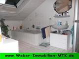 Großzügige 2 ZKB, DG mit WOHN-Küche und TGL-Wannen- u. Duschbad 196337