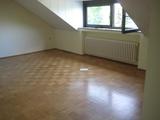 Schöne 2 Zimmer Dachgeschoßwohnung (30 Stufen) mit eingebauter Küche  159287