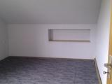 schöne 2,5-Zimmer DG Wohnuung 55242