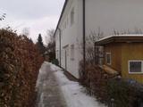 Alleinerziehende aufgepasst! Paket aus 1 Zi + 2 Zi. Wohnung mit Garten + Stellplatz in kleinem 8-FH 48675
