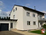 3-Familienhaus mit 1.290m² großem Grundstück, drei Garagen in Röttenbach 692653