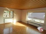Ein - bis Zweifamilienhaus mit großen Garagen in Obersinn 694645