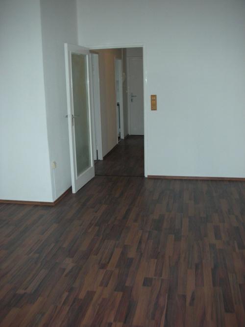helle 1 5 zimmer wohnung in wilmersdorf sucht mieter. Black Bedroom Furniture Sets. Home Design Ideas