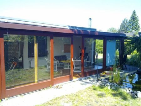 garten t raum in tornesch teilmodernisierter bungalow mit gro em wintergarten und kamin. Black Bedroom Furniture Sets. Home Design Ideas