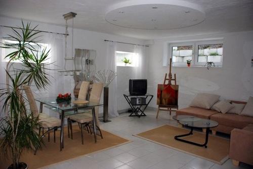 traumhaft sch n eingerichtete souterrain wohnung nahe dortmund. Black Bedroom Furniture Sets. Home Design Ideas