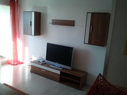 tolle 1 zimmer wohnung in bodolz bei lindau mit einrichtung. Black Bedroom Furniture Sets. Home Design Ideas