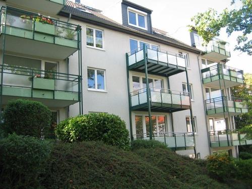 sg mitte helle moderne 2 zimmer kdb balkon 70m parkett aufzug. Black Bedroom Furniture Sets. Home Design Ideas